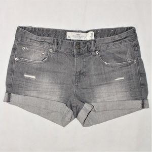 H&M Jeans Shorts size 28